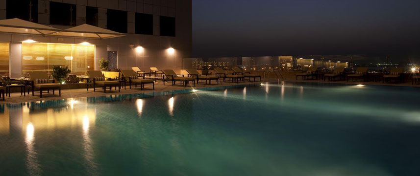Fraser Suites  Dubai Night Pool
