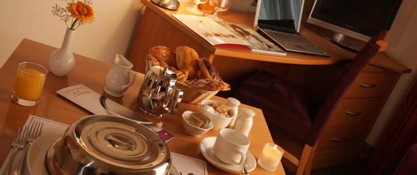 Galway Harbour Hotel - Breakfast In Bed