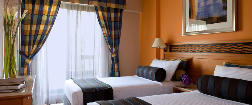 Golden Sands Hotel Apartments - Bedroom Twin