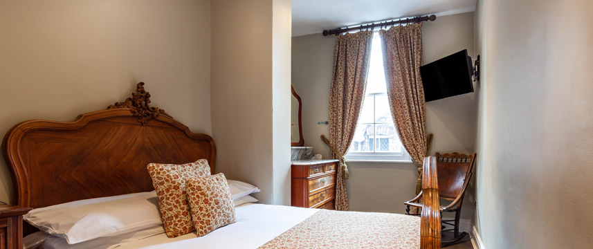 Guy Fawkes Inn - Executive Double Room