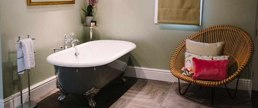 Hawkwell House Hotel - Honeymoon Suite Bath