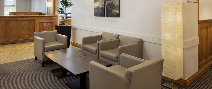Hol Inn Derby M1 Lobby Seating