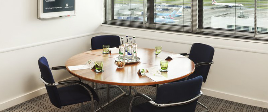 Hol Inn Glasgow Air Boardroom