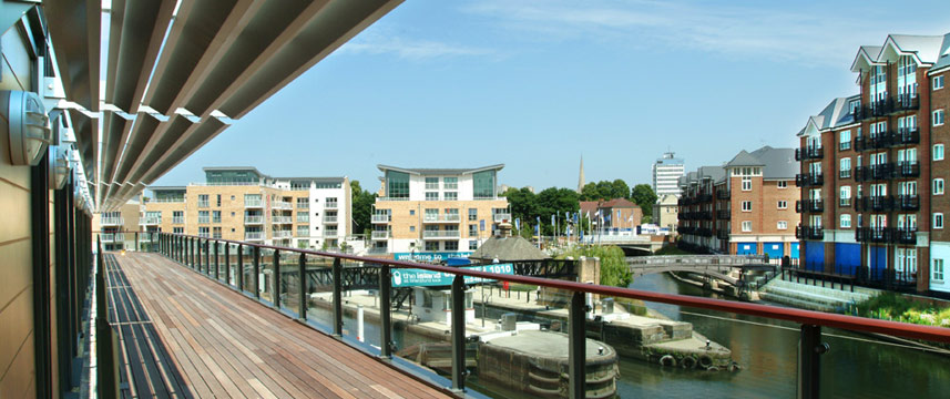 Holiday Inn Brentford Lock - Canal View