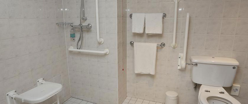 Holiday Inn Bristol City Centre - Accessible Shower