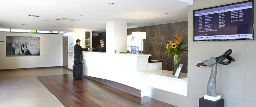 Holiday Inn Bristol City Centre - Reception Desk