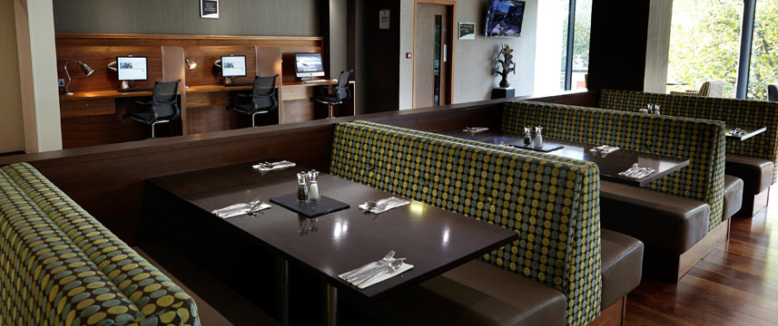 Holiday Inn Bristol City Centre - Restaurant Tables