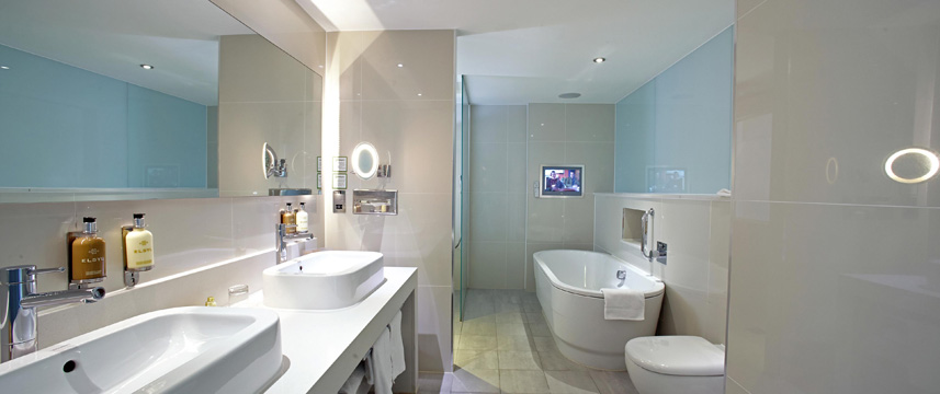 Holiday Inn Bristol City Centre - Suite Bathroom