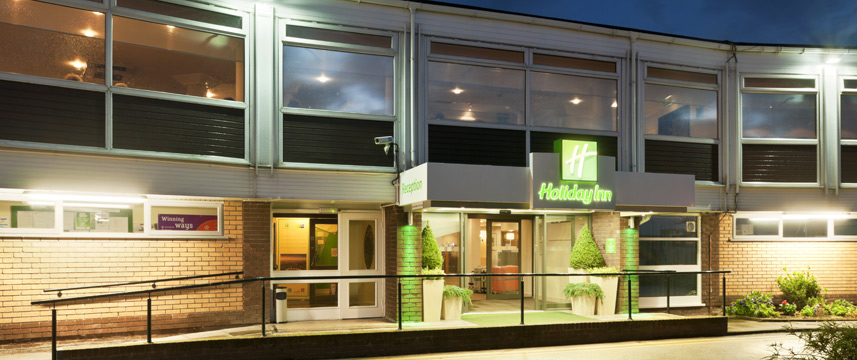Holiday Inn Chester South - Exterior Night