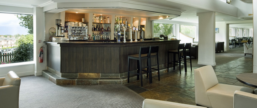 Holiday Inn Edinburgh City West Bar