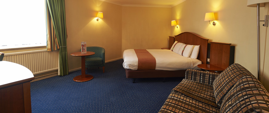 Holiday Inn Elstree - Family Room