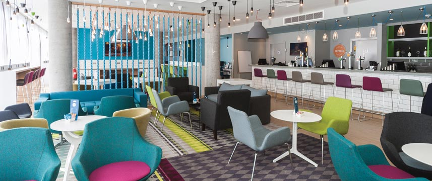 Holiday Inn Express Aberdeen Airport - Bar Seating