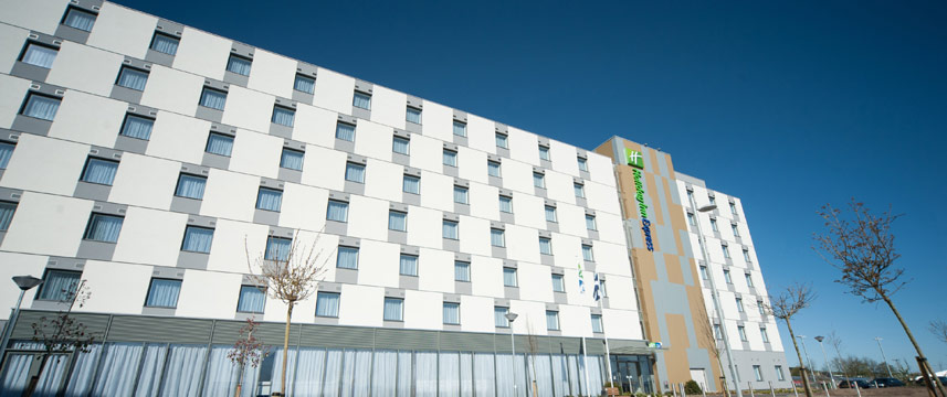 Holiday Inn Express Aberdeen Airport - Exterior