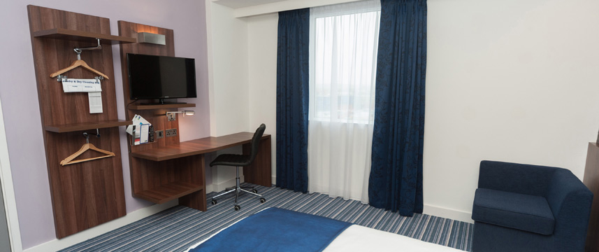 Holiday Inn Express Aberdeen Airport - Standard Room