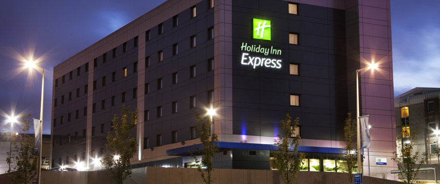 Holiday Inn Express Aberdeen Bridge Exterior