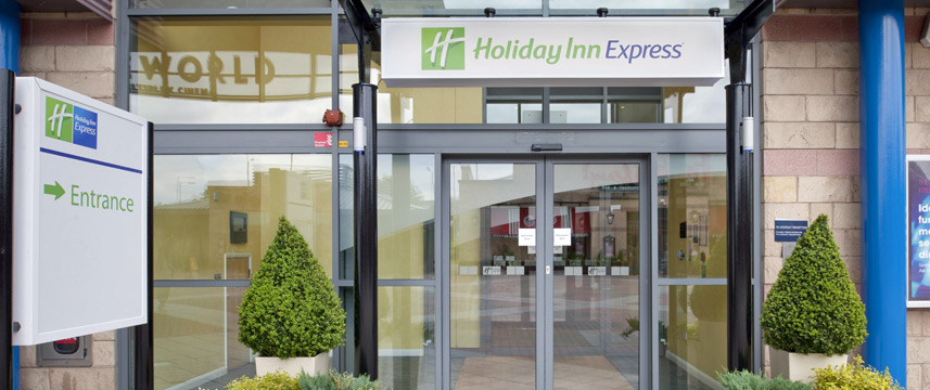 Holiday Inn Express Bradford City Centre - Entrance