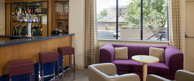Holiday Inn Express Bristol City Hotel Bar Main