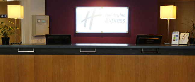 Holiday Inn Express Bristol City Hotel Reception Main
