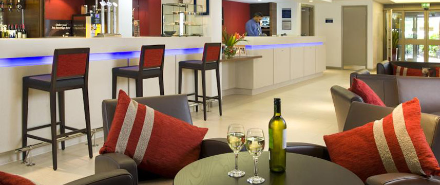 Holiday Inn Express Bristol North Bar Area