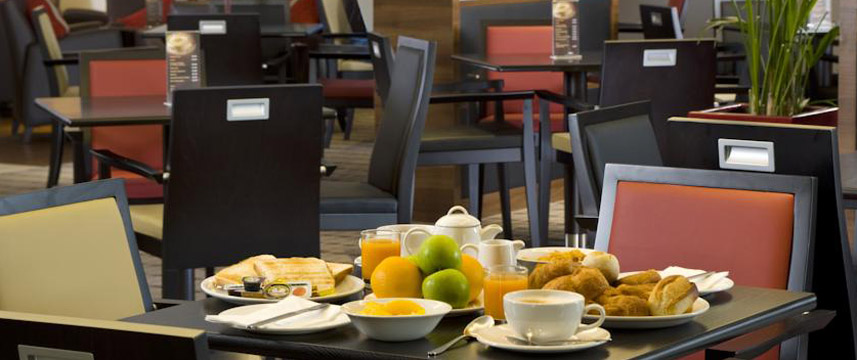 Holiday Inn Express Bristol North Breakfast Table