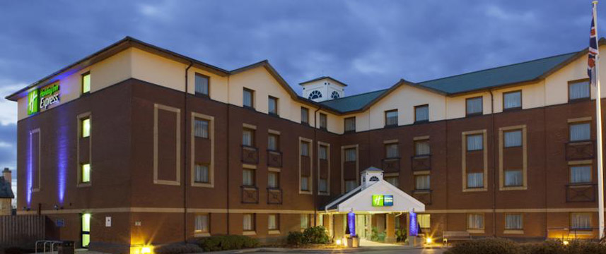 Holiday Inn Express Bristol North Exterior