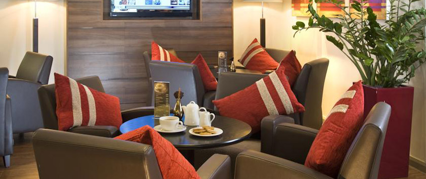 Holiday Inn Express Bristol North Lounge Area
