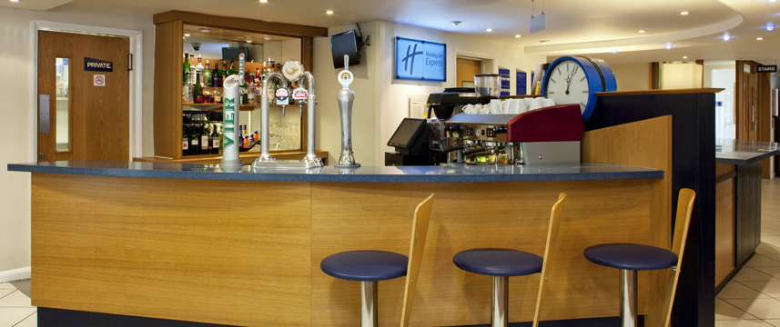 Holiday Inn Express Canterbury - Bar