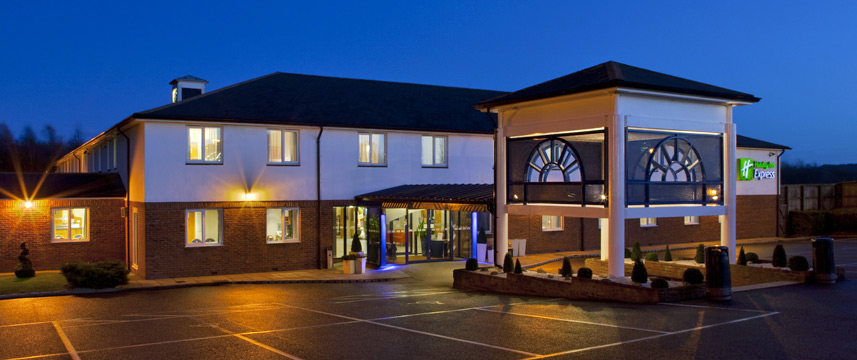 Holiday Inn Express Canterbury - Exterior