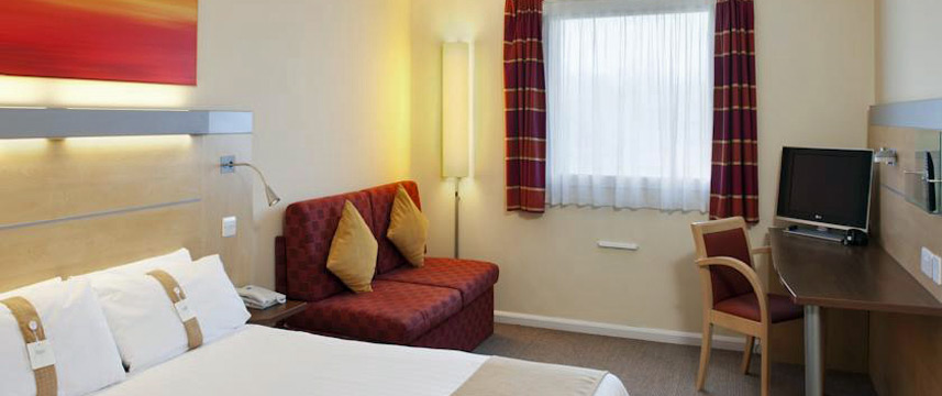 Holiday Inn Express Cardiff Airport - Family Room