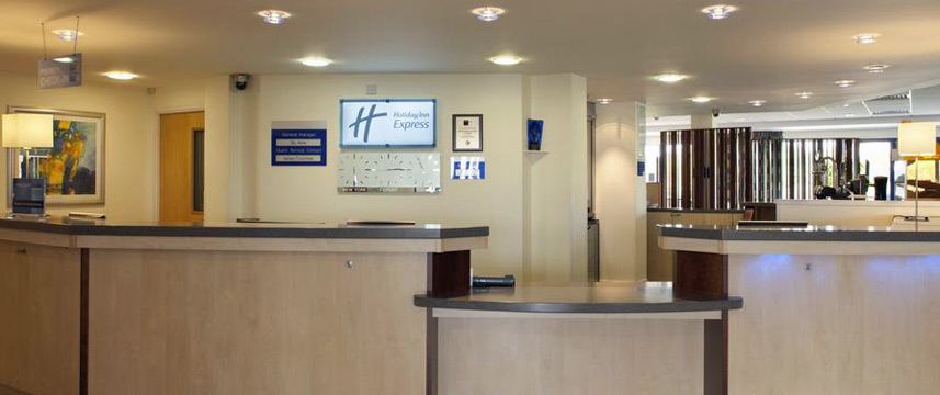 Holiday Inn Express Cardiff Airport - Reception