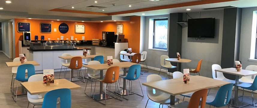 Holiday Inn Express Castle Bromwich Breakfast Area Main