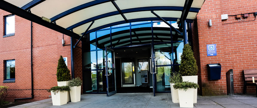 Holiday Inn Express Castle Bromwich Entrance Main