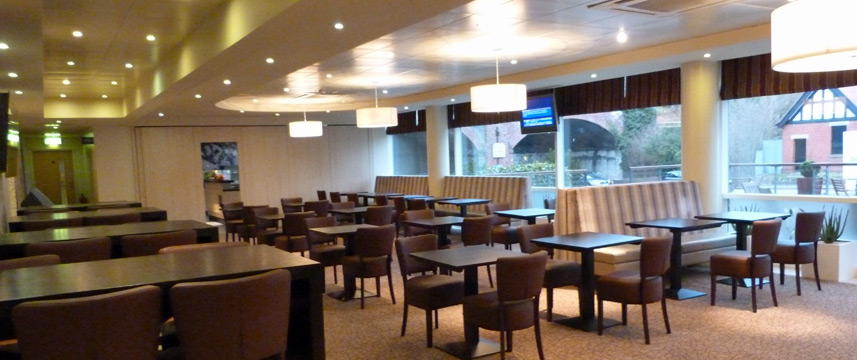 Holiday Inn Express Chester Racecourse - Breakfast Seating