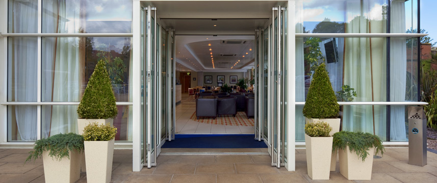 Holiday Inn Express Chester Racecourse - Entrance