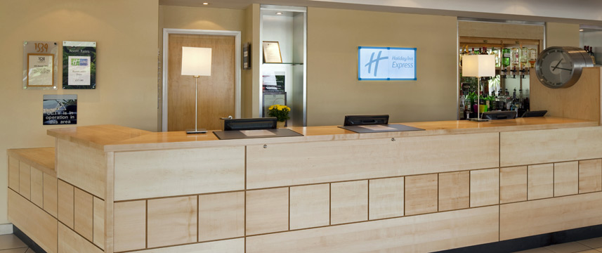 Holiday Inn Express Chester Racecourse - Reception