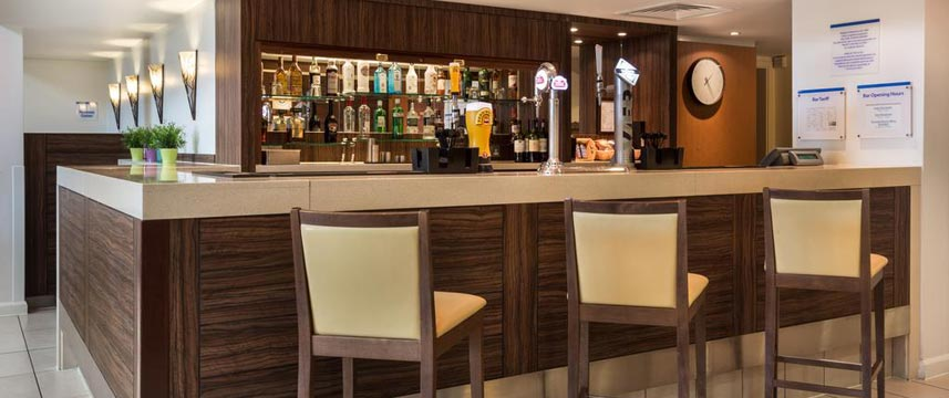 Holiday Inn Express Colchester - Bar Seating