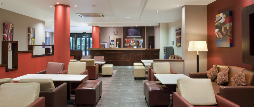 Holiday Inn Express Dublin Airport - Bar