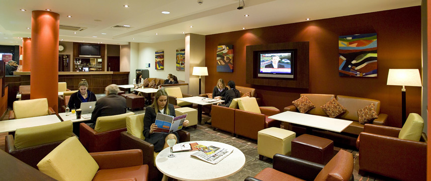 Holiday Inn Express Dublin Airport - Bar Seating