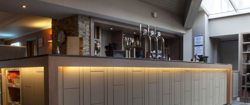 Holiday Inn Express Edinburgh Airport - Bar