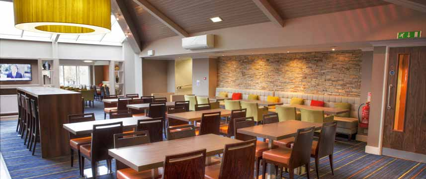 Holiday Inn Express Edinburgh Airport - Bar Seating