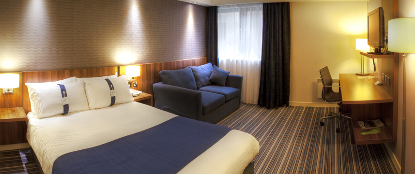 Holiday Inn Express Edinburgh Airport - Double with Sofabed