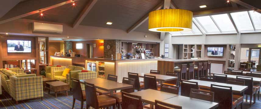 Holiday Inn Express Edinburgh Airport - Lounge Bar