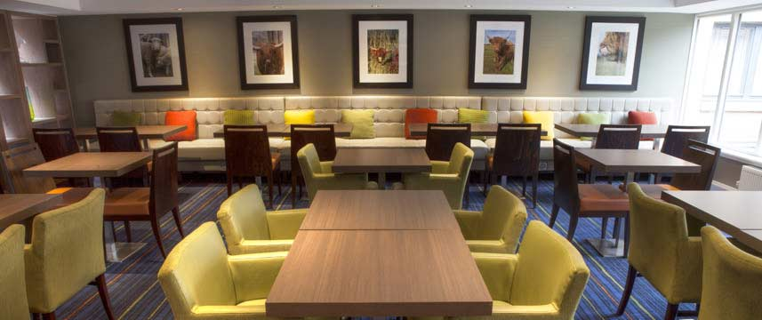 Holiday Inn Express Edinburgh Airport - Lounge Seating