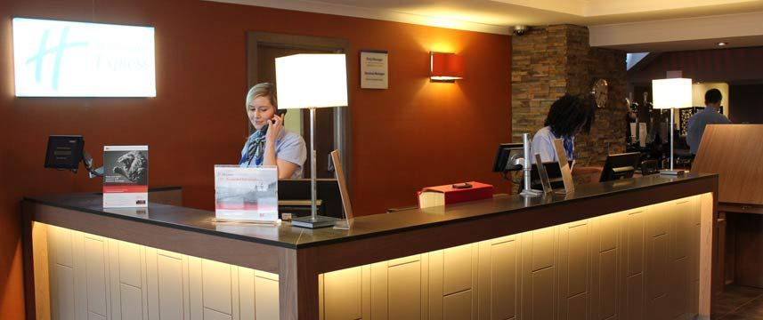 Holiday Inn Express Edinburgh Airport - Reception