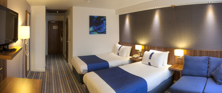 Holiday Inn Express Edinburgh Airport - Twin with Sofabed