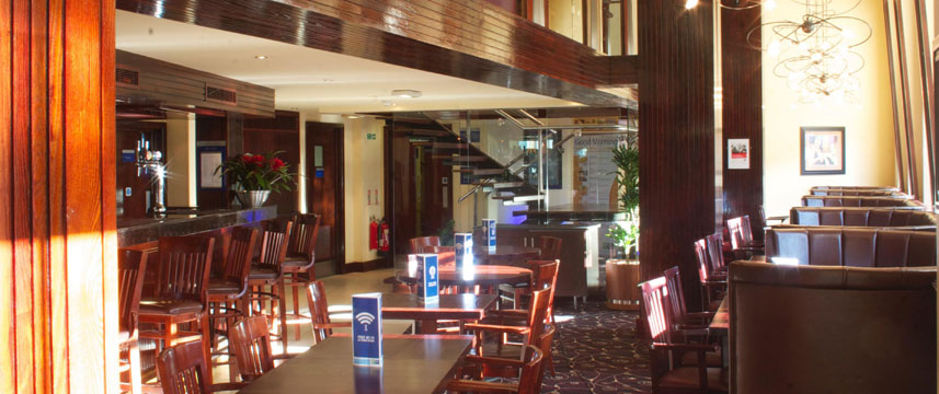 Holiday Inn Express Edinburgh Bar Area