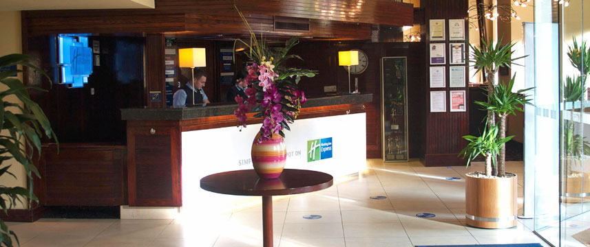 Holiday Inn Express Edinburgh Reception