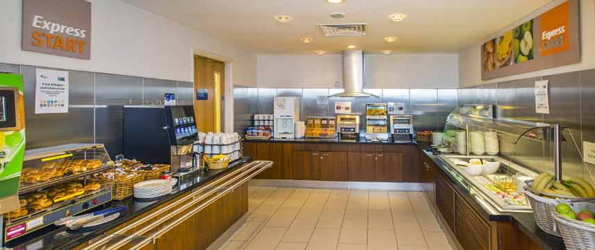 Holiday Inn Express Edinburgh Royal Mile - Breakfast