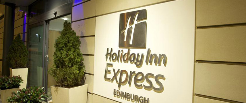 Holiday Inn Express Edinburgh Royal Mile - Outside