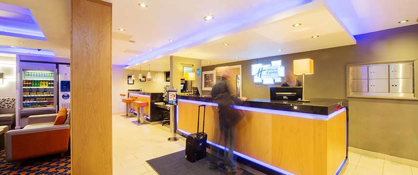 Holiday Inn Express Edinburgh Royal Mile - Reception